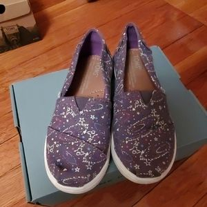 Toms Glow in the dark Outer space